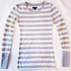 American Eagle Outfitters women xs long sleeve tee